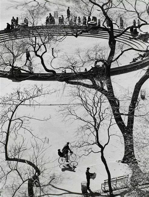 Andre Kertesz : Washington Square