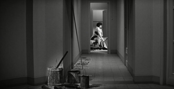 la femme de mastroianni seule - la dolce vita